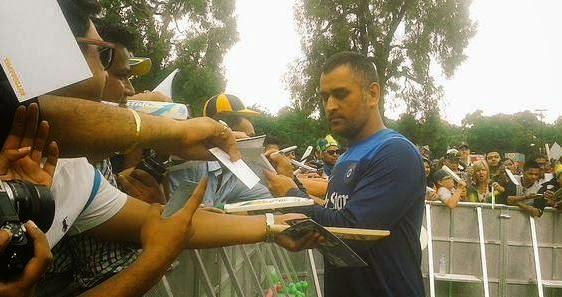 Dhoni Autograph
